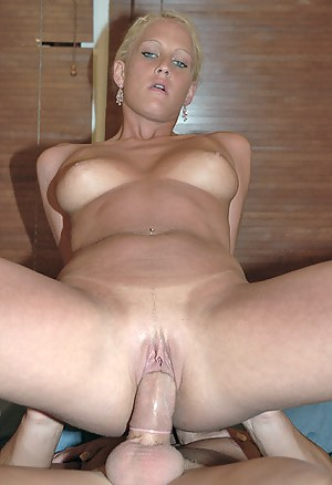 Free Dick in Mature Pussy Porn Pictures