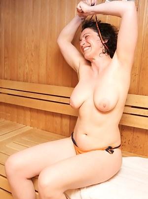 Free Mature Sauna Porn Pictures