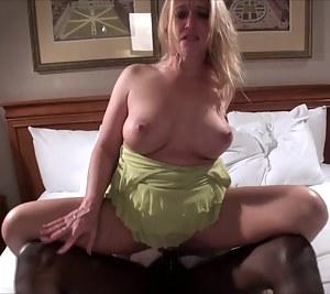 Free Mature Big Natural Tits Porn Pictures
