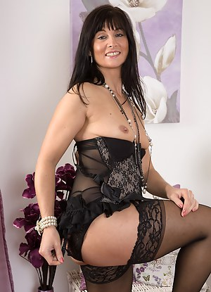 Free Glamour Mature Porn Pictures